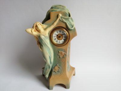 Secesní figurální hodiny