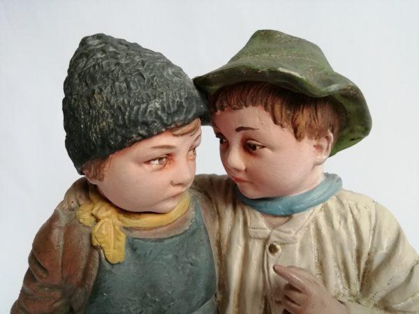 Dva chlapci socha J. Maresch